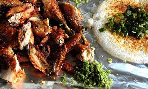 Hướng dẫn cách làm món gà nướng cơm cháy thơm ngon đúng điệu